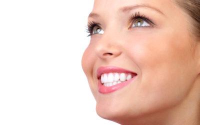 Dlaczego utrzymanie zdrowych zębów i dziąseł jest tak istotne w trakcie pandemii Covid-19?